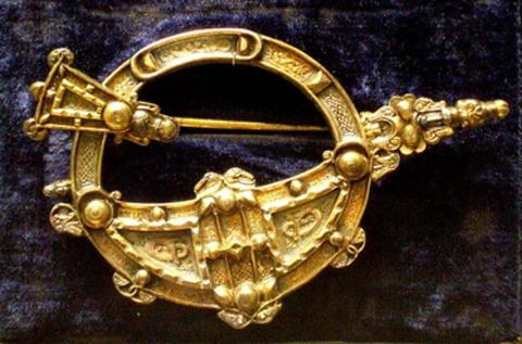Copy of the 8th century Tara Brooch. Source: Kotomi_/CC BY NC 2.0